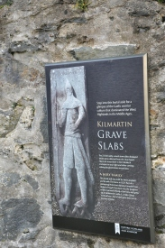 Kilmartin_Grave slabs sign