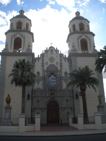 Tucson, Church