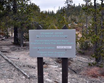 Yellowstone National Park, Wyoming, geothermal features, steamboat geyser