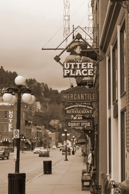 South Dakota, Deadwood, sepia sign