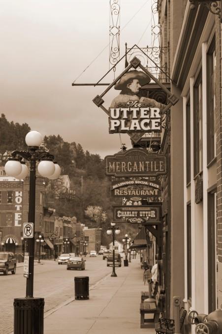 South Dakota, Deadwood, sepia sign