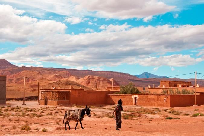 Morocco_RoadSide2_15